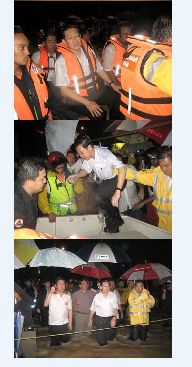 The Chief Minister at flood area in Penang